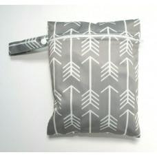 Medium Wet Bag - Grey Arrows