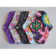 Set of 5 Bamboo Regular Flow Cloth Pads - Flowers & Lace