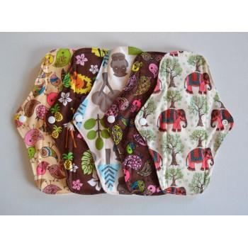 Set of 5 Bamboo Regular Flow Cloth Pads - Wild Designs Regular Flow Cloth Pad Sets - Cloth Mama